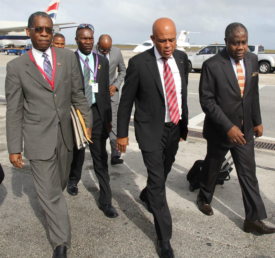Le Président de la République à son arrivée à Bridgetown (Barbade)