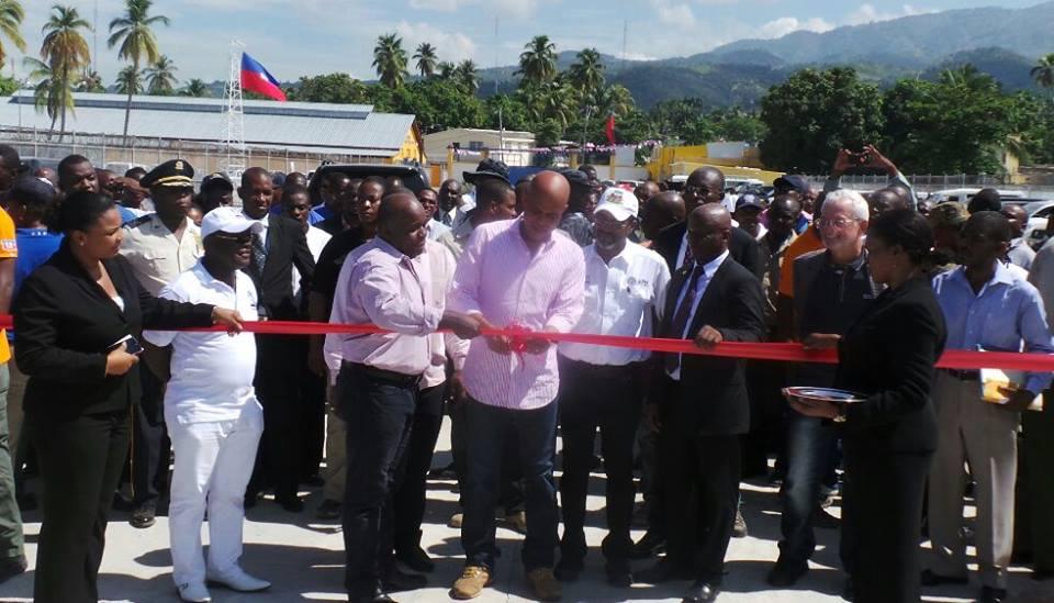 Coupe du ruban inaugural de l'Unité du Port de Cabotage de Petit-Goave